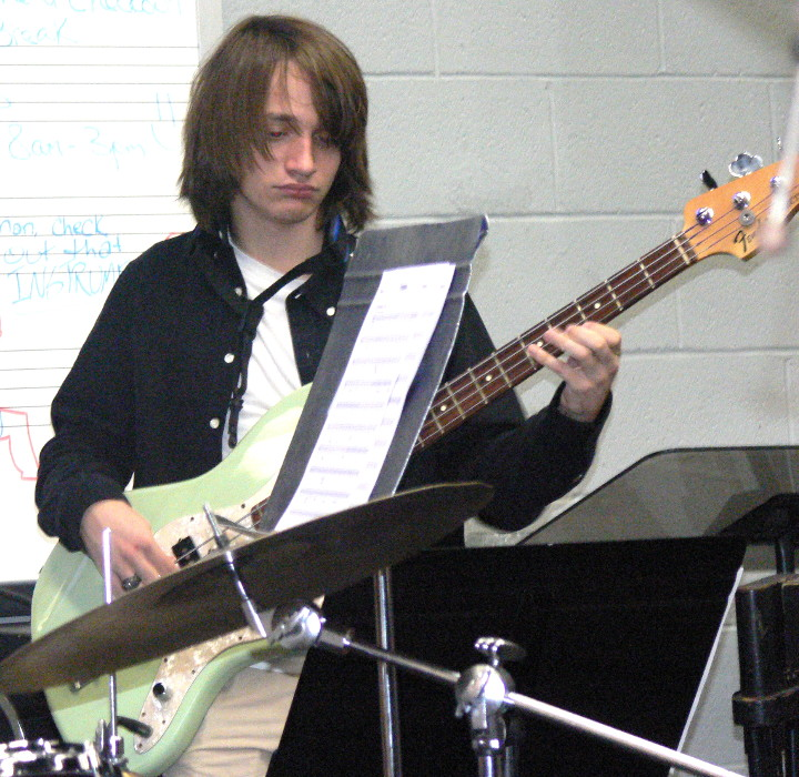 Gabe_Waters_on_bass.jpg